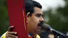 """Maduro exige dos trabalhadores compromisso """"escrito"""" de votar nele"""