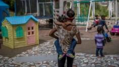 Venezuela: pais deixam filhos em orfanatos porque não podem alimentá-los