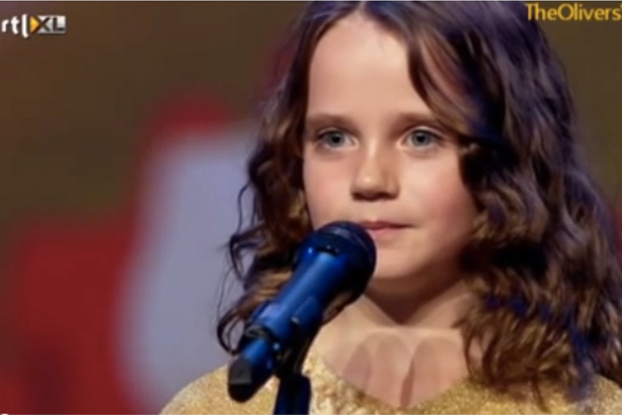 Amira Willighagen, de nove anos, no 'Holland's Got Talent.' (captura de tela do YouTube)
