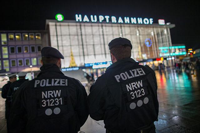 Die Polizei ist schwer in der Kritik. Laut internen Aussagen war sie machtlos und unterrepräsentiert. Foto: MAJA HITIJ/AFP/Getty Images