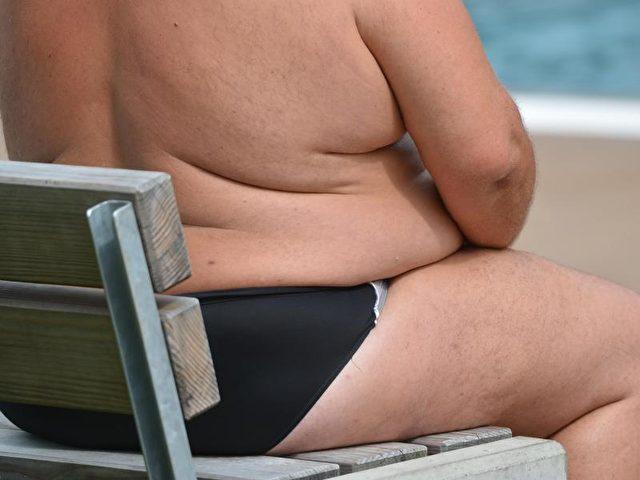 In Deutschland ist dem «XXL-Report» der DAK zufolge jeder vierte Erwachsene zwischen 18 und 79 fettleibig. Foto: Franziska Kraufman/dpa