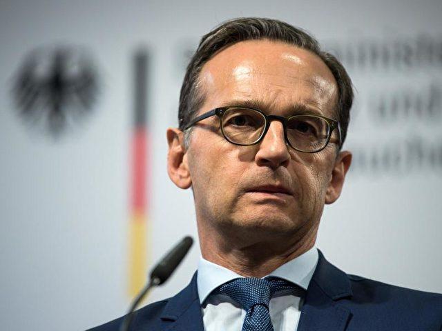 """Heiko Maas: Das Löschen strafbarer Inhalte geschieht noch immer """"viel zu wenig und viel zu langsam"""". Foto: Bernd von Jutrczenka/dpa"""