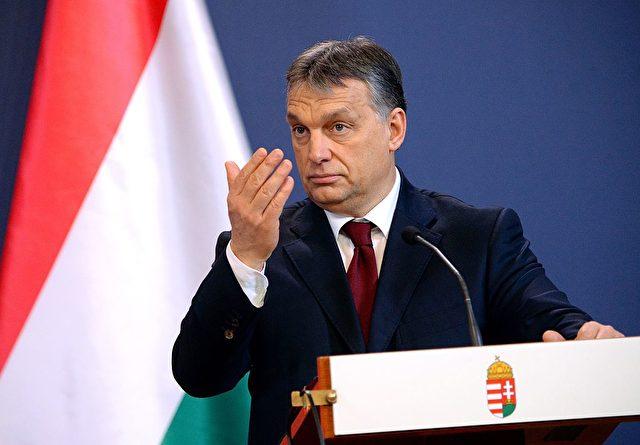 Ungarns Premierminister Viktor Orban kündigt ein Gesetz gegen die Flüchtlingsquote an Foto: ATTILA KISBENEDEK/AFP/Getty Images