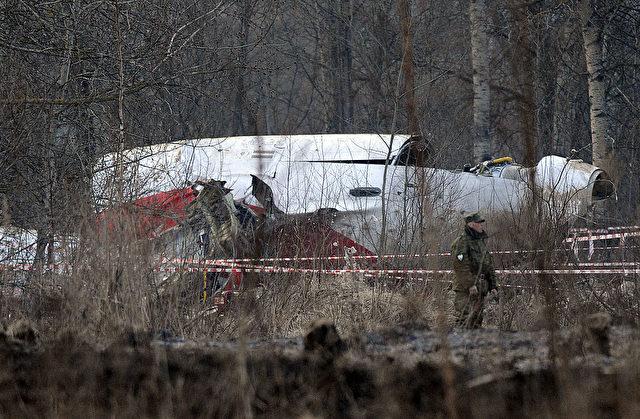 Mehr als sechs Jahre nach dem tödlichen Absturz einer Tupolew-154 mit 96 Insassen an Bord war Mitte November 2016 mit der Exhumierung der Smolensk-Opfer in Polen begonnen worden. Foto: NATALIA KOLESNIKOVA/AFP/Getty Images