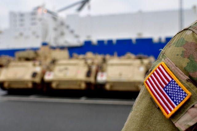 Die USA verlegen schweres Kampfgerät nach Europa. Foto: Alexander Koerner/Getty Images