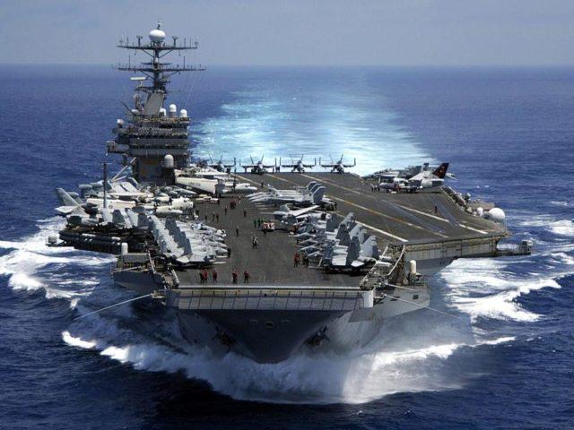 Einer der größten US amerikansichen Flugzeugträger, die USS Carl Vinson (CVN 70). Foto: Dusty Howell/U.S. Navy/Archiv/dpa