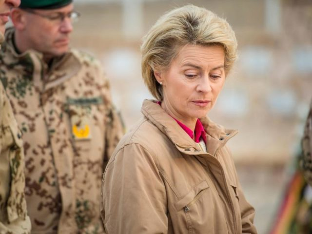 Verteidigungsministerin Ursula von der Leyen Foto: Gregor Fischer/dpa