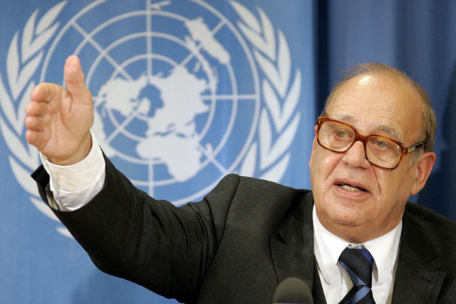 Geneva, SWITZERLAND:  United Nations (UN) special rapporteur on the right to food, Jean Ziegler gestures during a press briefing after his recent visit to Lebanon and his report to the UN Human Rights Council, 05 October 2006 at the UN Office in Geneva. AFP PHOTO / FABRICE COFFRINI  (Photo credit should read FABRICE COFFRINI/AFP/Getty Images)