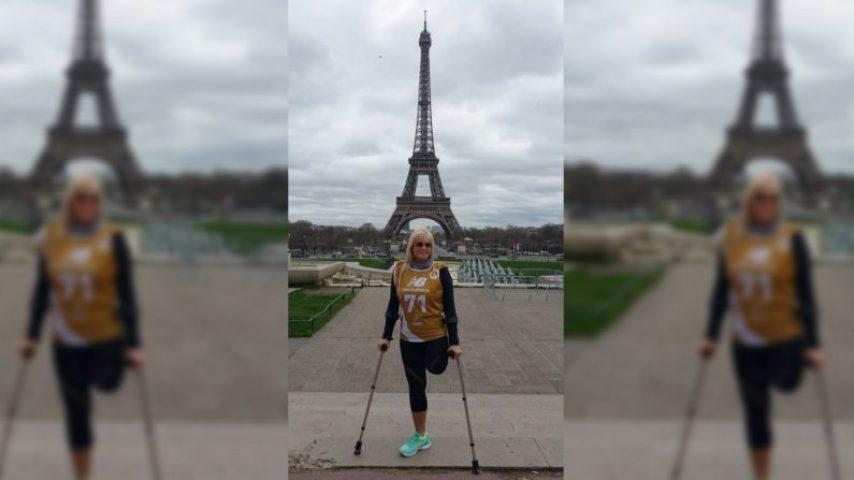 Amputée, elle grimpe les 1665 marches de la tour Eiffel sur une jambe en 52 minutes