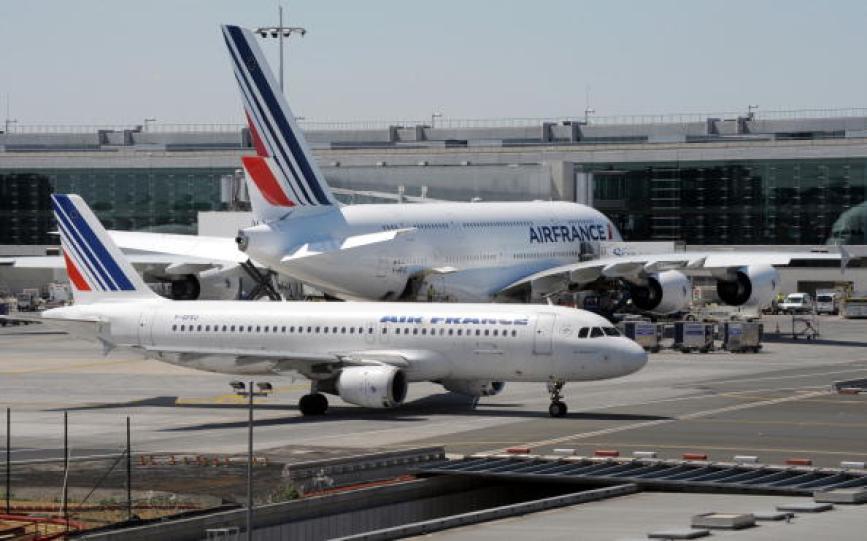 500 sans-papiers ont bloqué le Terminal 2 de l'aéroport de Roissy: «La France n'est pas aux Français»