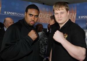 На предматчевой пресс-конференции. Фото: allboxing.ru
