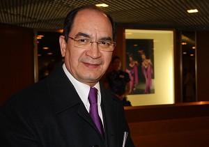 Посол Парагвая оценил этот «праздник для глаз», представленный творческим коллективом «Божественное искусство». Фото: Фань Чжан /Великая Эпоха
