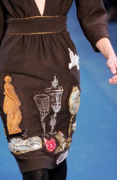 Женская коллекция от Ив Сен Лоран. Фото: AFP/Getty Images