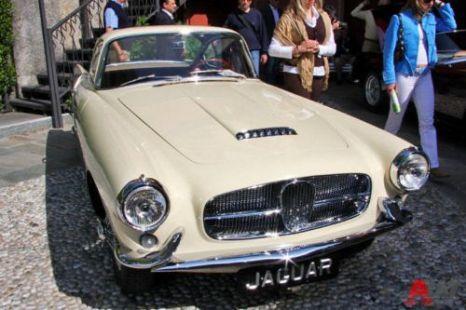 Jaguar XK 140 Coupe Ghia (1955). Фото: autoweek.ru