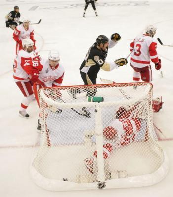В Питтсбурге прошёл третий матч финальной серии. Фото: Jamie Sabau/Getty Images