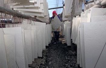 Стены из гипсокартона, произведённые в китайской провинции Цинхай. Фото: China Photos /Getty Images