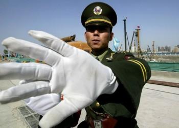 Китайские власти неоднократно нарушали установленные правила для иностранных журналистов. Фото: AFP PHOTO/Frederic J. BROWN