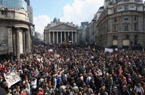Саммит G20 сопровождается массовыми протестами. фото: Rosie Greenway/Getty Images