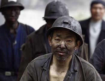 Китайская угледобывающая промышленность является самой опасной в мире. Фото: China Photos/Getty Images