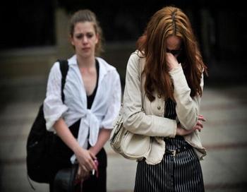 Внимание, женщины - холодное обострение. Фото: DIMITAR DILKOFF/AFP/Getty Images