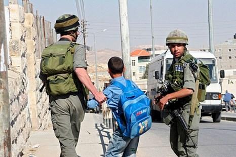 «По дороге из школы». Фото: Анне Пак Epoch Times Deutschland Анне Пак