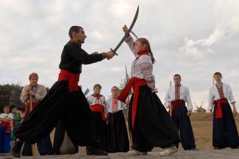 Фестиваль казацкого боевого гопака в Пирогово 3 октября 2009 года. Фото: Владимир Бородин/Великая Эпоха (The Epoch Times)