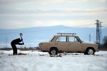 Эскперемент по стимулированию покупки новых автомобилей пройдет почти в 20-ти регионах России Фото: DIMITAR DILKOFF /Getty Images