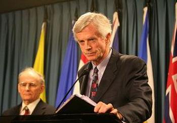 Дэвид Килгур, бывший Государственный секретарь и член парламента Канады. Фото с ru-enlightenment.org
