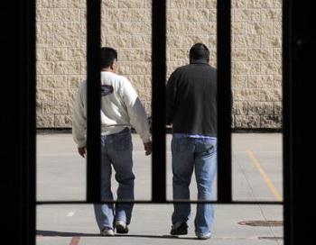 Азербайджанских блоггеров посадили в тюрьму за сатирический ролик. Фото: SDOMINIQUE FAGET/AFP/Getty Images