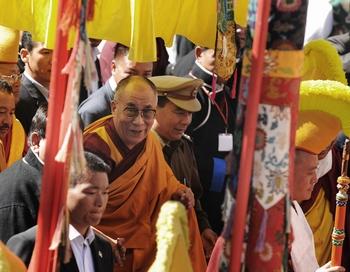 Далай-лама прибыл в монастырь Таванг. Фото: DIPTENDU DUTTA/AFP/Getty Images