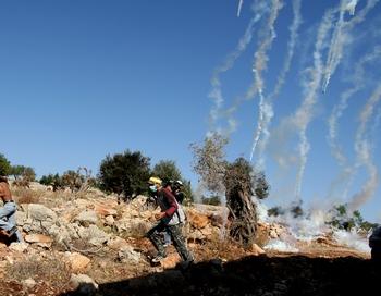 Израильские ВВС нанесли в воскресенье удар по двум оружейным заводам в Газе после того, как с палестинской территории была выпущена ракета в направлении израильского города Сдерот, где никто не пострадал.Фото: ABBAS MOMANI/AFP/Getty Images