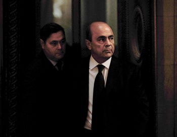 Всего по этому делу проходили более сорока человек, за взятки содействоваших осуществлению незаконных сделок. Основной фигурант – французский бизнесмен Пьер Фалькон. Фото: MARTIN BUREAU/AFP/Getty Images
