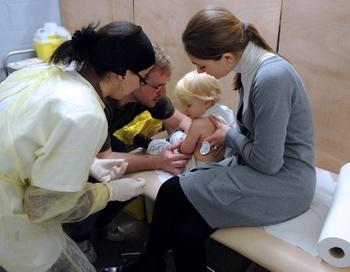 Всемирная организация здравоохранения (ВОЗ) опубликовала данные, согласно которым в мире от свиного гриппа за последнюю неделю умерло более 1000 человек. Фото:  PHILIPPE MERLE/AFP/Getty Images