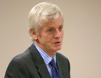 Дэвид Килгур, соавтор книги «Кровавый урожай». Фото с сайта theepochtimes.com