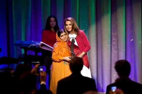 Юная пакистанка Малала Юсуфзаи, раненная талибами, 4 октября награждена премией имени Анны Политковской «за храбрость говорить». Фото: Ramin Talaie/Getty Images