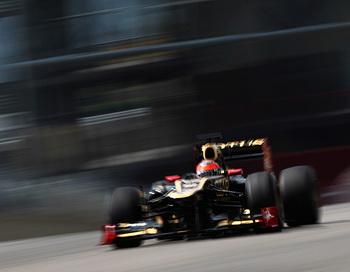 Роман Гросжан из команды Lotus оказался самым быстрым гонщиком в третий день испытательных заездов «Формулы-1» на трассе Мugellо. Фото: Andrew Hone/Getty Images