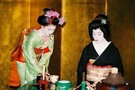 Чайная церемония в квартале гейш. Фото: Бернд Крегель