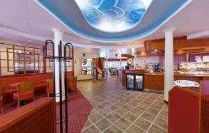 Гостиничный холл отеля Bomba. Фото с сайта www.viking-travel.ru