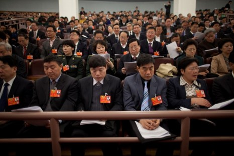 Делегаты на открытии сессии Всекитайского собрания народных представителей (ВСНП) в Большом народном зале, Пекин, 5 марта. Фото: Ed Jones/AFP/Getty Images