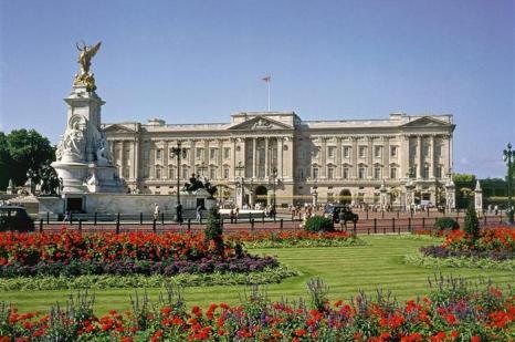 Букингемский дворец, Лондон. Один из наиболее популярных туров знаменитой компании «Corus Travel ltd». Фото с сайта images.yandex.ru