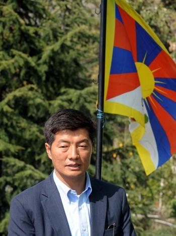 Далай Лама  передаст полномочия главы правительства Тибета в изгнании  Лобсанг Сангаю. Фото: RAVEENDRAN/AFP/Getty Images