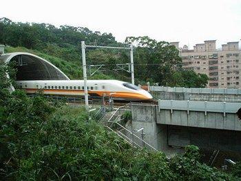 Строительство высокоскоростных железных дорог в Китае может стать полностью убыточным. Фото с epochtimes.com