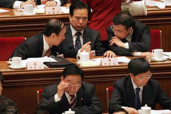 Власти Китая грозят увольнением чиновникам в Тибете. Фото: TEH ENG KOON/AFP/Getty Images
