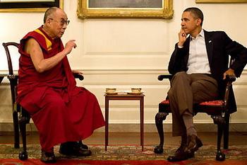 Далай-лама, духовный лидер Тибета, был принят президентом США Бараком Обамой, несмотря на резкие возражения со стороны  властей КНР. Фото:stern.соm