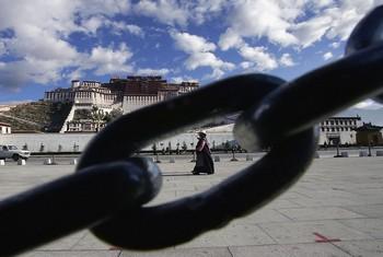В Тибете по-прежнему сохраняется напряжённая ситуация. Фото: China Photos/Getty Images