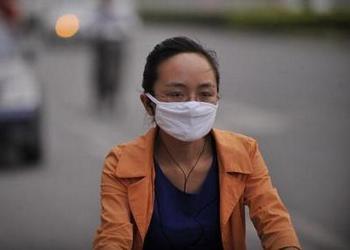 Загрязнение воздуха в китайских мегаполисах значительно превышает нормы. Фото: Guang Niu/Getty Images