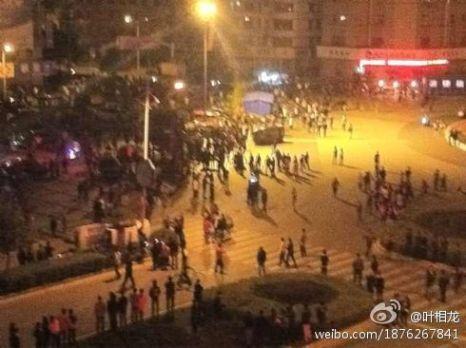 Бунт рабочих в посёлке Чжили провинции Чжэцзян. Октябрь 2011 год. Фото с ntdtv.com