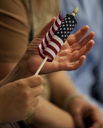 Большинство богатых китайцев и чиновников компартии для эмиграции предпочитают США. Фото: DON EMMERT /AFP