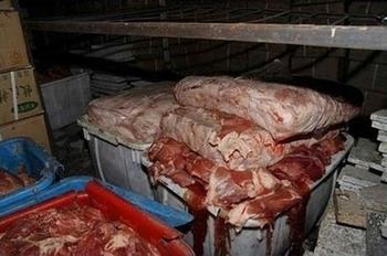 Подпольный цех по переработке мяса больных животных. Фото с epochtimes.com