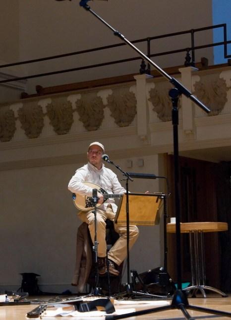 Стивен Меррит. Фото: Mym-uk/Commons.wikimedia.org, Stephin-merritt-at-cadogan-hall.jpg